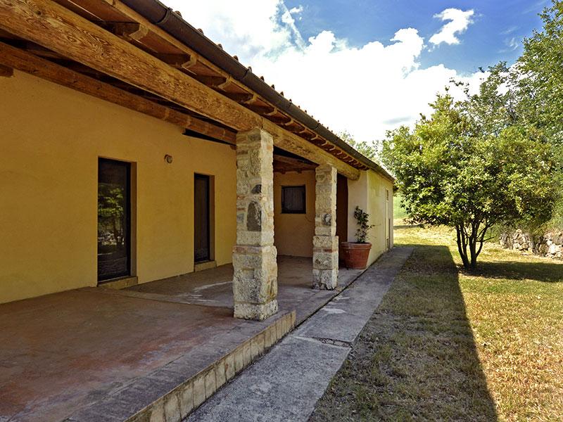 spineto-abbazia-busterna-portico