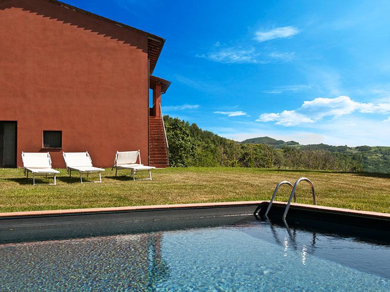 spineto-abbazia-sorgente-piscina