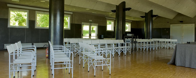 spineto-abbazia-sala-meeting-principale