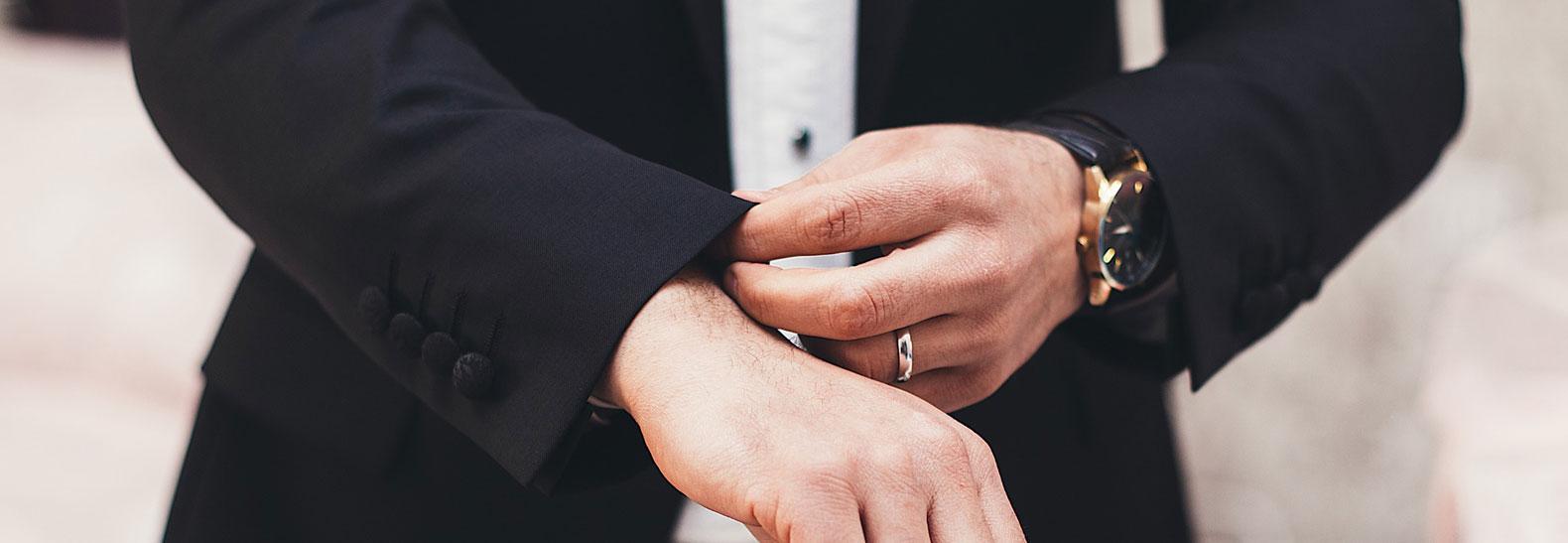 come abbinare l abito da sposo uomo