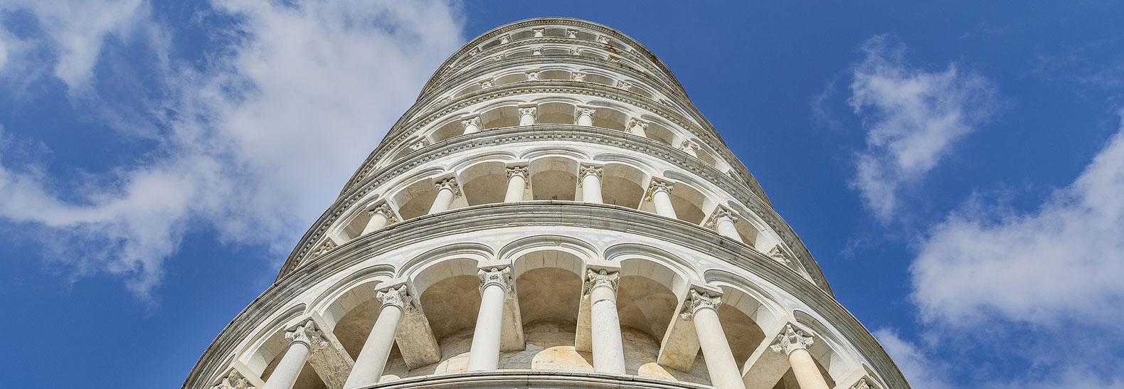 """La Torre di Pisa """"da sotto"""""""