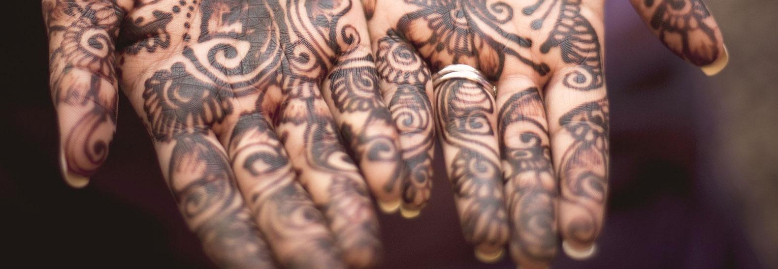 Tatuaggi estremi per il matrimonio? magari all'hennè!